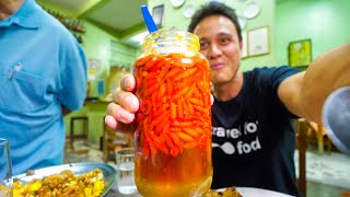 Liquid Meat + GHOST CHILI PEPPER and King of Crackling! Food Tour in Belo Horizonte, Brazil!