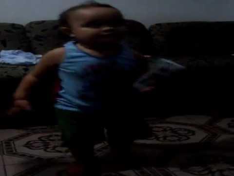 Baixar Bebê dançando Leke Leke