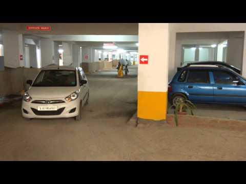Bakeri Swareet parking