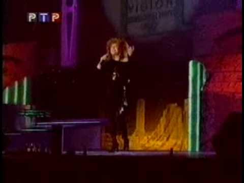 Алла Пугачёва на сцене Миллениума