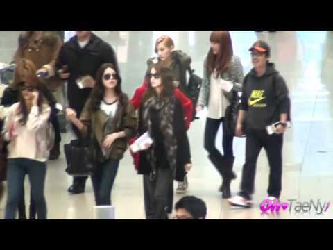 120323 Incheon Airport SNSD By oh-taeny