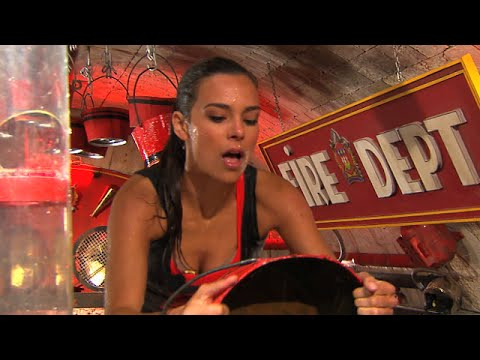 marine lorphelin sur le tapis roulant fort boyard du 19. Black Bedroom Furniture Sets. Home Design Ideas