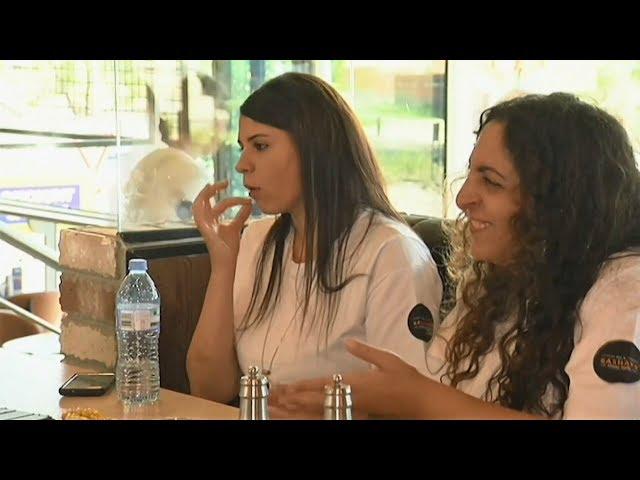 澳洲餐廳供員工手語教學服務聽障人士