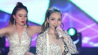 Ca sĩ & vũ đoàn sexy nhất 2019 - ĐÌNH ĐÌNH (婷婷) - TÌNH TA GIỜ CÁCH XA - 闖天涯 Remix