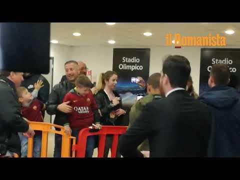 VIDEO - De Rossi lascia lo Stadio Olimpico per l'ultima volta