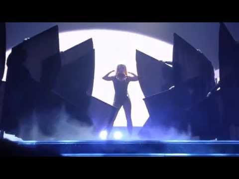 Britney Spears - Baby One More Time/Oops I Did It Again: Piece Of Me Tour 28/8/14 Las Vegas