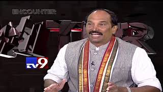 Uttam Kumar Reddy (sans beard!) in Encounter with Murali K..