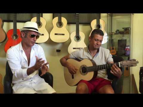 PITINGO cantando en el taller de Guitarras Francisco Bros.