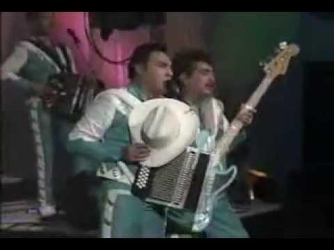Los Tigres Del Norte - Si No Me Falla El Corazon En Vivo 1994.avi