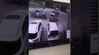 [Tai Nạn Thái Nguyên] 2 ô tô va nhau cục mạnh trước trường Đảng Thái Nguyên khiến 1 người tử vong