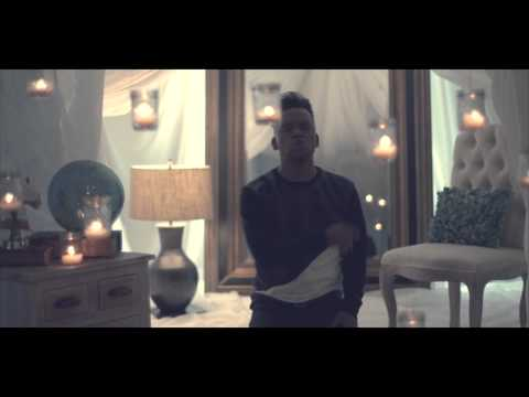 EL NOMBRE DE JESUS (Video Oficial) REDIMI2 feat. CHRISTINE D'CLARIO