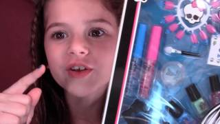 Monster High Makeup Stitched With Style Beauty Frankie Stein Set Review and Demo for Kids