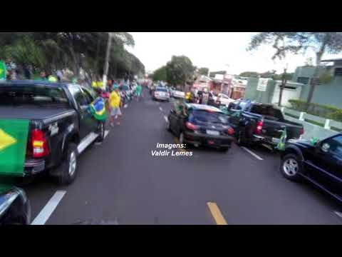 Marília faz manifestação pedindo a intervenção militar