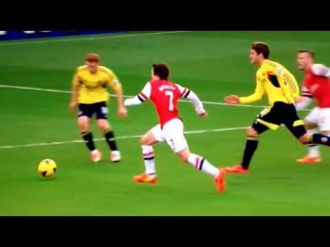 Ngày này 3 năm trước Arsenal từng có màn phối hợp ảo diệu bậc nhất lịch sử