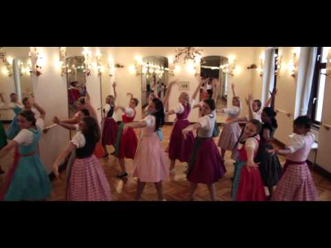 Oktoberfest ZUMBA im HANNA Trachten Dirndl (by Seref) Fergie - A Little Party Never Killed Nobody