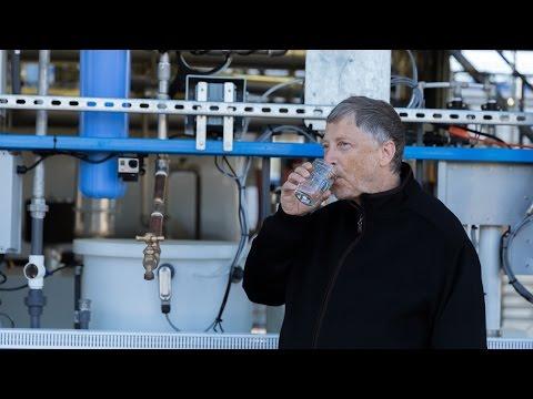 Бил Гејтс пие вода која порано била човечка кака