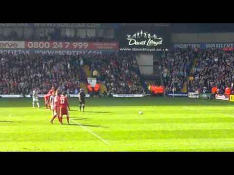 2 pha cắt bóng liên tiếp và ban bật khó tin của Chris Brunt trước dàn sao Liverpool