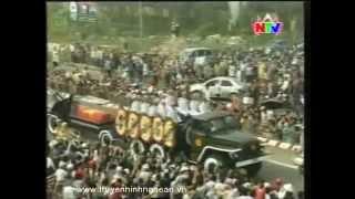 Người dân Hà Nội tiễn đưa Đại tướng Võ Nguyên Giáp về đất mẹ