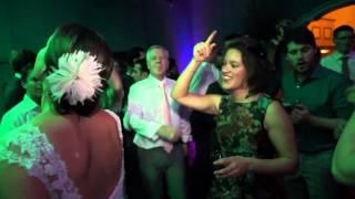 Bekijk video 3 van DJ White op YouTube