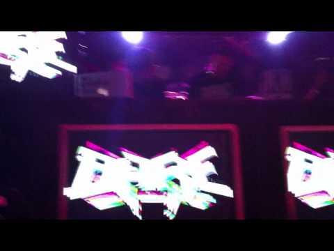 Skream - Raw Dogz (Bare Remix) Spring Massive Exclusive
