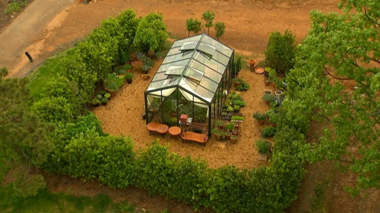 A Beautiful, Functional Greenhouse   P. Allen Smith ... - photo#42