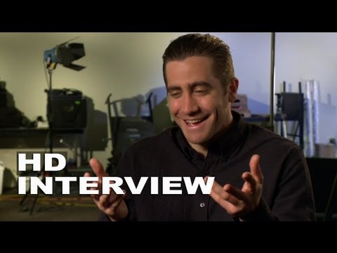 Prisoners: Interview with Jake Gyllenhaal (Detective Loki) - YouTube