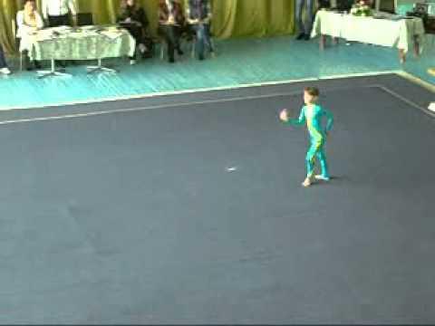 женская тройка(акробатика)Днепродзержинск 19.10.2012