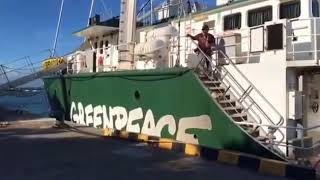 Kedatangan Kapal Legendaris Rainbow Warrior ke Bali