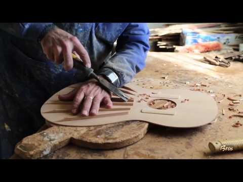 Documentary of the artisan construction of the guitars Francisco Bros.