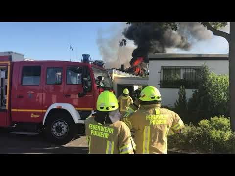 Dachstuhl in Pulheim niedergebrannt