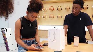 Vlog: Buying The New IPhone Xs Max! | Azlia Williams