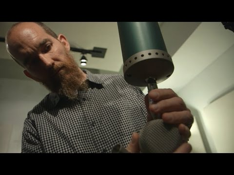 Billy Bush | Recording with Vintage versus Modern Mics
