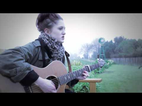 Charlotte - Fingertips (Official Video)