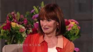 Gloria Vanderbilt Brings Favorite Mother's Day Gift from Anderson