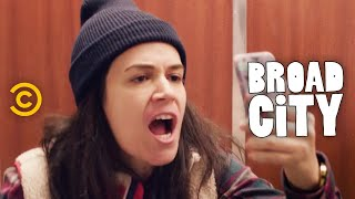 Broad City - Hack Into Broad City - Inauguration - Uncensored