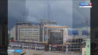 Башенный кран в самом центре Омска мог упасть на прохожих