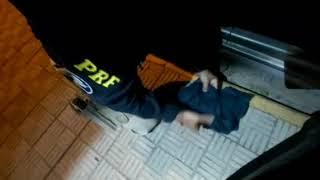 Homem armado é preso em flagrante pela PRF na BR-290, em Alegrete