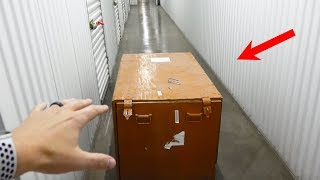 What's inside an Abandoned Storage Unit?