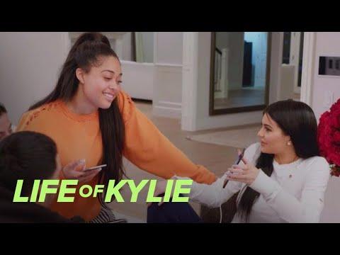 Kylie Jenner Plays Matchmaker for Jordyn Woods   Life of Kylie   E!