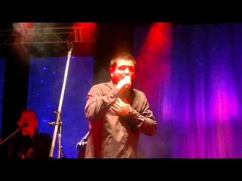 Jorge canta Sin Memoria en Termas