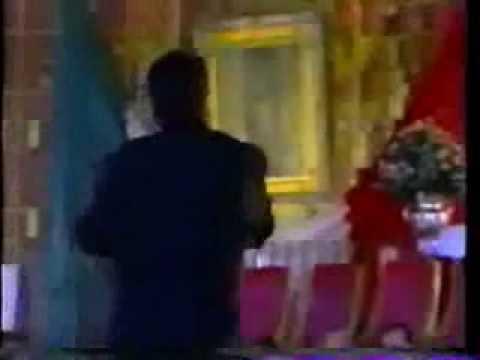 JUAN GABRIEL le canta a la virgen de Guadalupe.