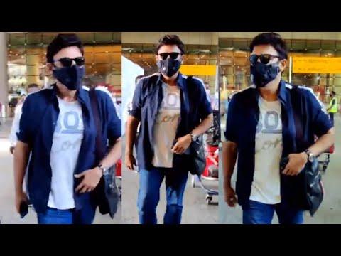 Actor Venkatesh spotted at Mumbai airport, viral video