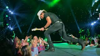 """Brad Paisley Live - Weekend Warrior World Tour 1-25-2018 - """"Online"""" and """"One Beer Can"""""""