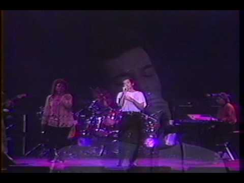 Gino Vannelli in Montreal - It Hurts to Be in Love