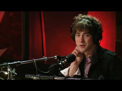 MGMT return to Q TV