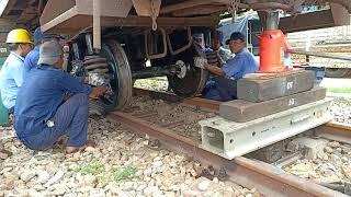 K0 xem phí một đời: LẮP BÁNH XE TÀU LỬA - Changing Train Wheels