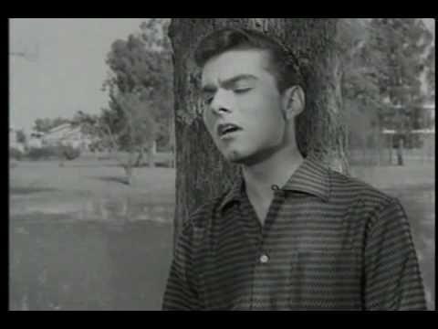 Baixar Agnaldo Rayol - Onde Estará Meu Amor (Clipe) - 1958