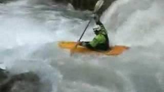Sul fiume in kayak