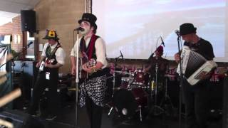 Tom Holder And The Railway Sleepers - He's The Devil