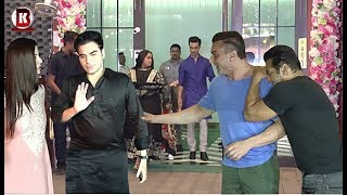 Salman Khan With Sohail Khan, Arbaaz Khan Her Girlfriend Arrives At Arpita Khan Diwali Party